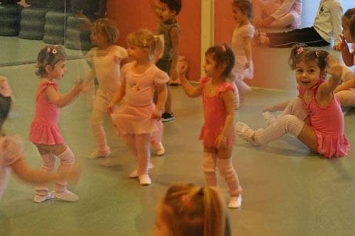 Berit and Meike taking toddler dance classes