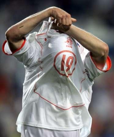 Arjen Robben durft en schiet raak